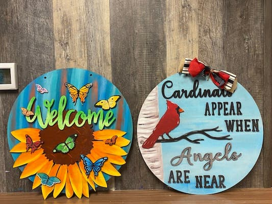 Wood Signs: A Trendy Craft You Can Use